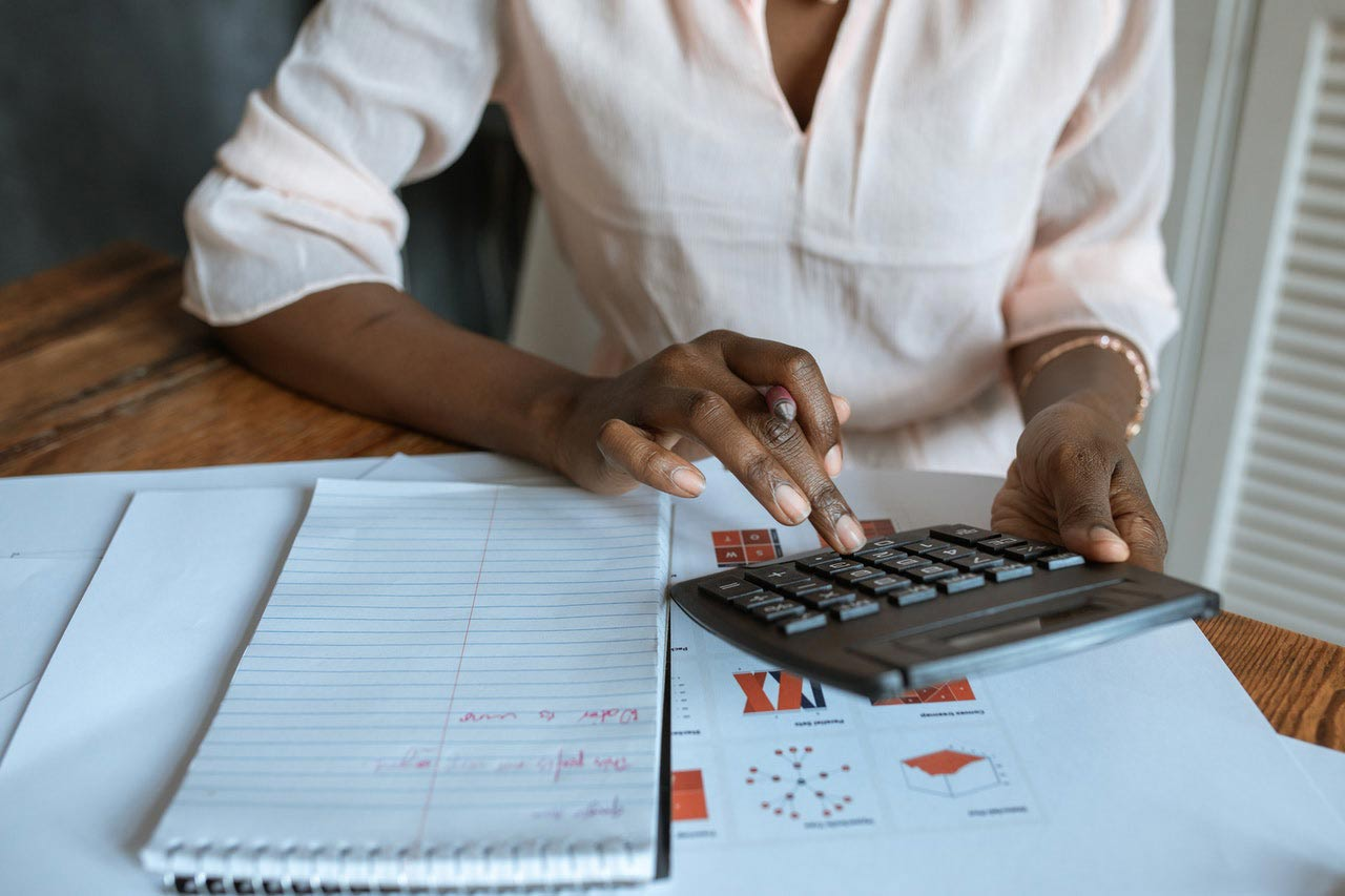 how to budget for employee benefits